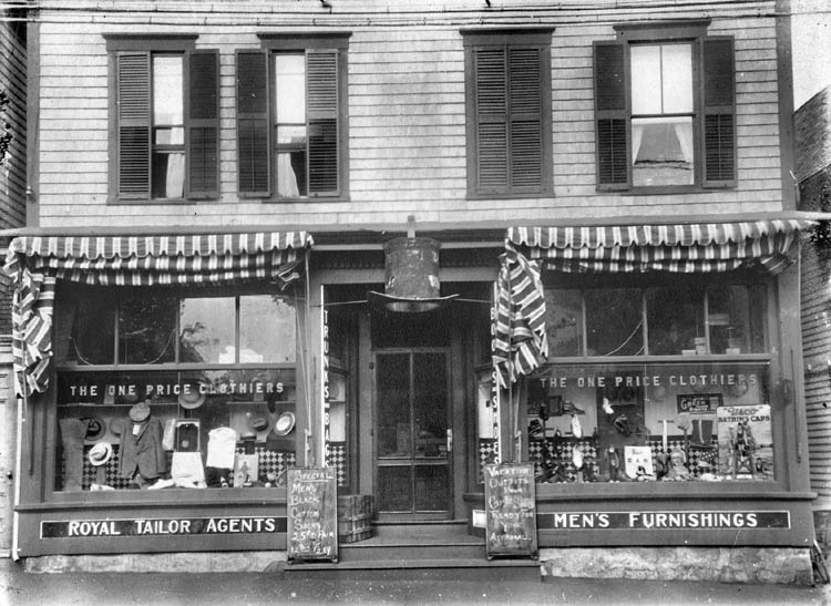 Main Street Vineyard Haven Ma Site 28 The Howes Clothing Company