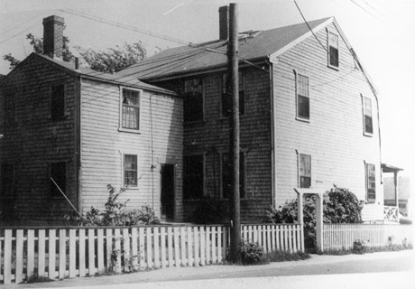 Vineyard Haven Photo Album 10 Capt Seth Daggett House